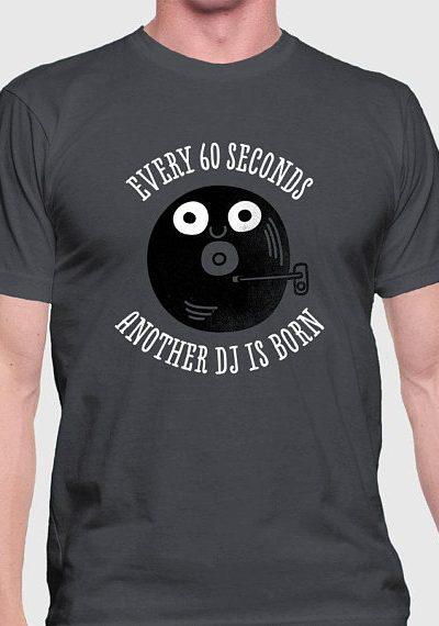 Too Many DJ's –  Unisex Men's / Women's T-Shirt